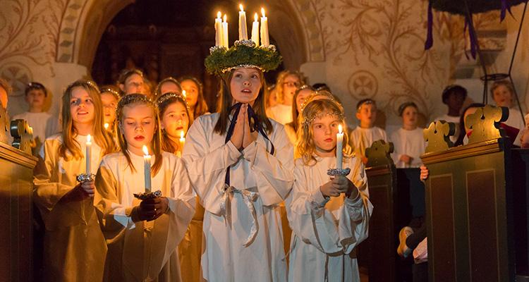 Kor - Luciaoptog i Tybjerg Kirke